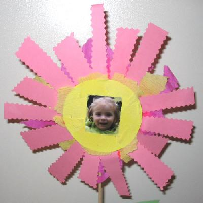 fiche activit manuelle n 10 cadre fleur activite manuelle gratuite imprimer pour enfant. Black Bedroom Furniture Sets. Home Design Ideas
